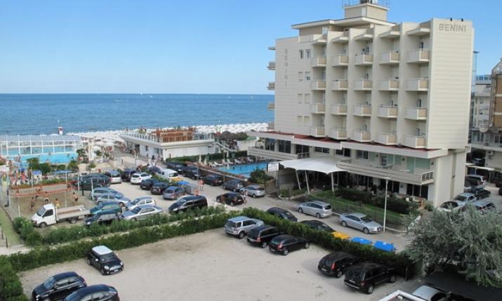 Hotel benini milano marittima emilia romagna italia - Bagno holiday milano marittima ...