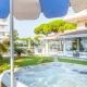 I3504_20201103121119_Vasca_idromassaggio_con_vista_verso_la_piscina_Copia.jpg