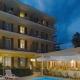 https://www.bikershotel.it/images/hotel/I3530/I3530_20200808120855_Hotel_Paradiso_cena_bordo_piscina.jpg
