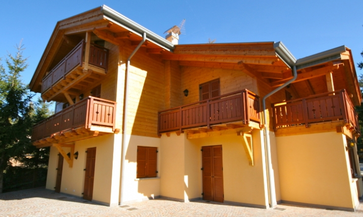 Casa camillo sfruz trentino alto adige italia for Costo della costruzione di una casa con 3 camere da letto