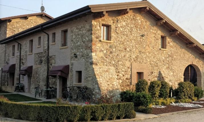 803e3309f0 AGRITURISMO CORTE LA SACCA, Pozzolengo - Lombardia, Italia ...