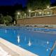 I4746_20181127161159_piscina_di_sera.png