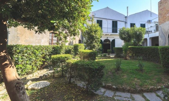 Il giardino nascosto vasto abruzzo italia case vacanza per