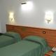I5047_20200717180714_tripla_3_letti_canadian_hotel_l_aquila.jpg