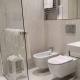 I5083_20210318110347_junior_suites_firenze_centro_hotel_0006_centro_toscana_firenze_bagno_asciugamano_doccia_lavandino_sapone_profumo_pulito.jpg